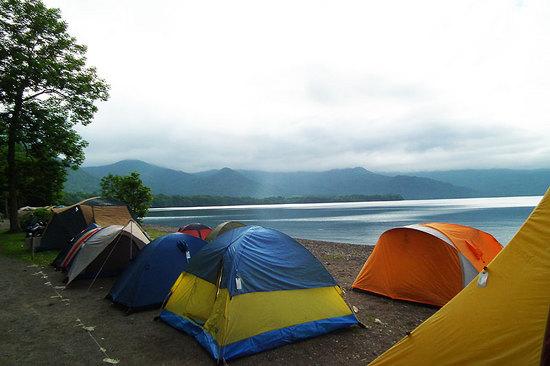 和琴半島湖畔キャンプ場のライダーのテント