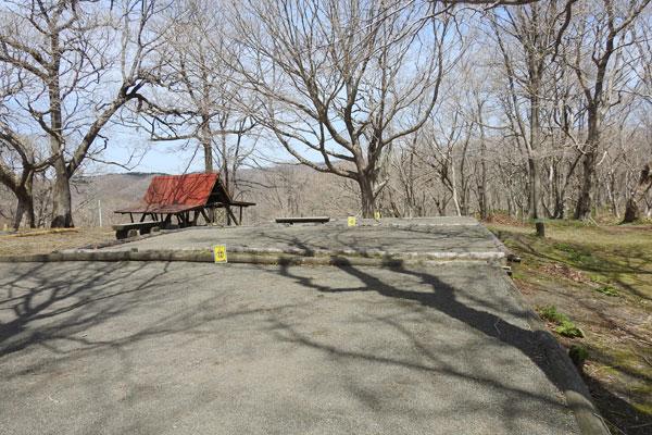 判官館森林公園キャンプ場のテント床