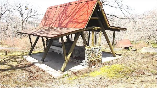 判官館森林公園キャンプ場の炊事場
