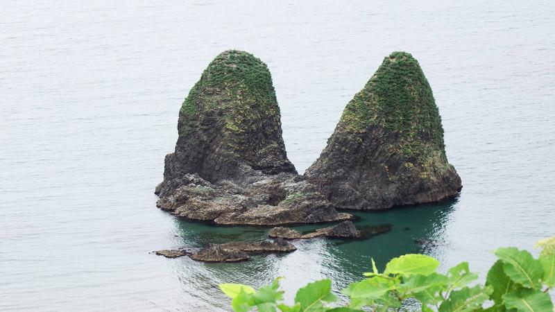 せたな町の三本杉岩