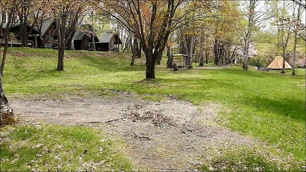 ひがしかぐら森林公園キャンプ場のテントサイト2