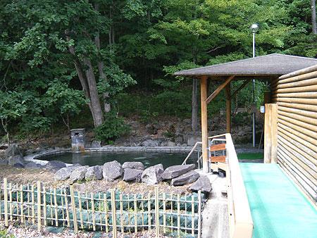 つるつる温泉の露天風呂へ続く廊下