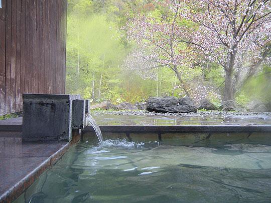 小金湯温泉 まつの湯の露天風呂
