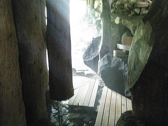 ヌタプカウシペの露天風呂へ出る廊下