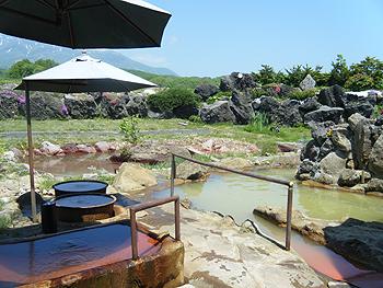 ニセコ黄金温泉の寝湯と五右衛門風呂