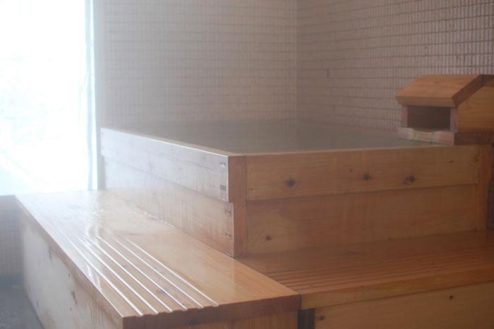 糠平源泉郷湯元館 神韻の湯 屋内檜風呂