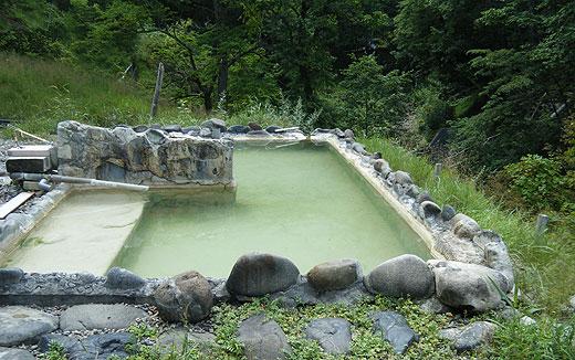 湯元鹿の谷の露天風呂