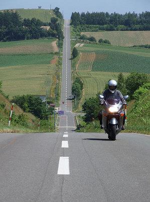 2009-07-07-美瑛マスツー その6 ジェットコースターの道で