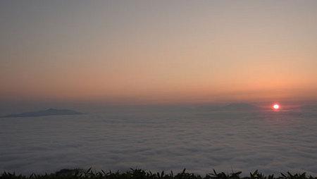2016-08-13-津別峠からの日の出と雲海