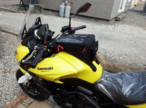 2015-03-29-バイクにタンクバッグを取り付けた状態