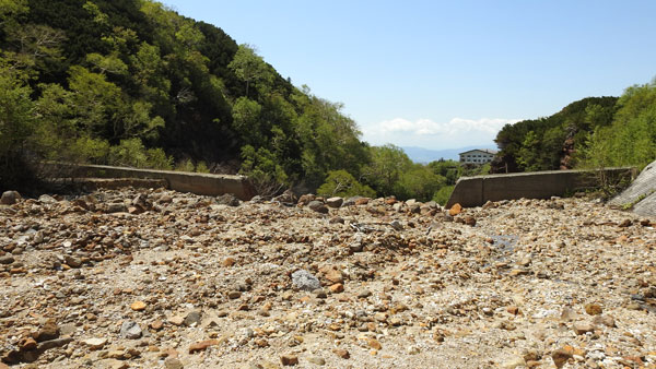 2017-06-17-安政火口の砂防ダム