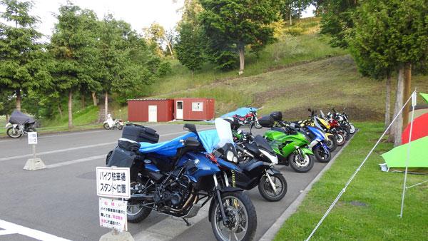 2017-06-17-キャンプ場の朝のバイク