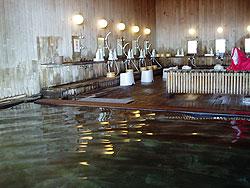 カミホロ荘の内風呂の内部