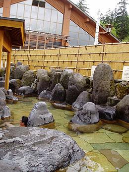 白銀荘の露天風呂(男性用)