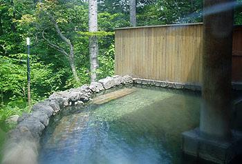 糠平館観光ホテルの浴室に隣接した露天風呂