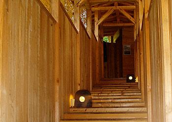 中村屋の露天風呂へ続く廊下