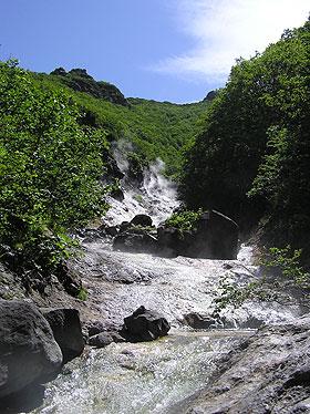 カムイワッカの川の流れ